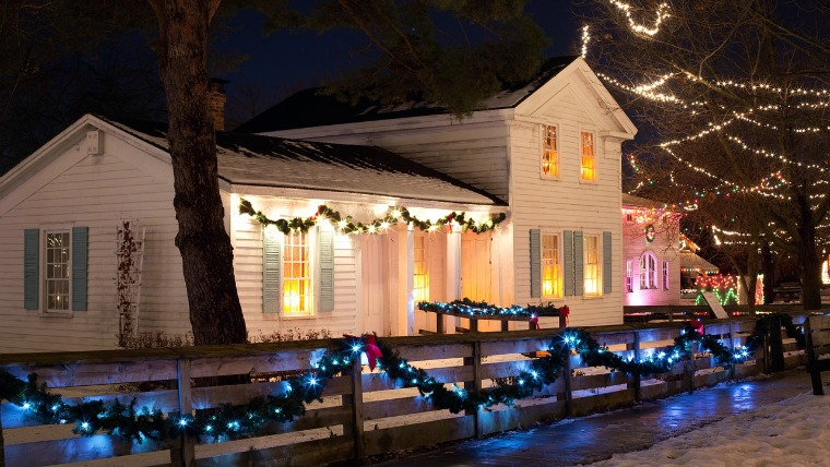 christmas-house- holiday lights